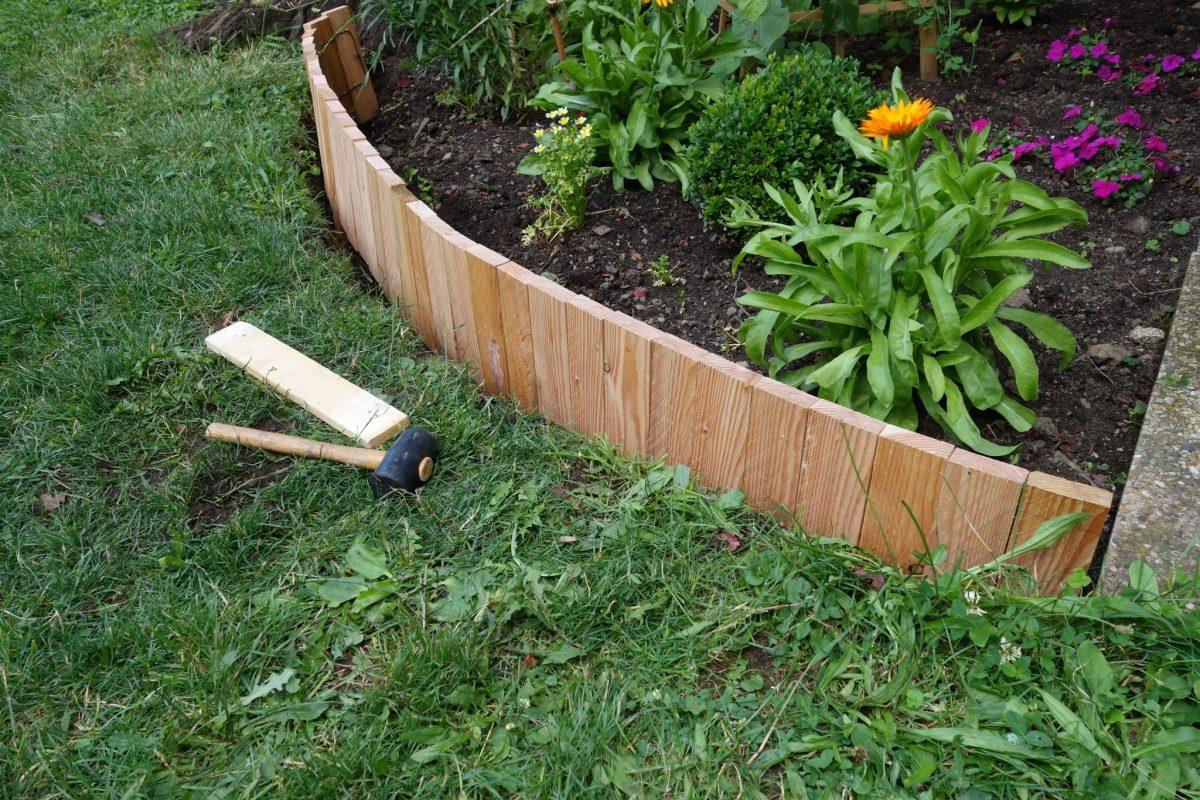 Diy une bordure souple le blog de b a bordure jardin - Bordure de jardin pas cher ...