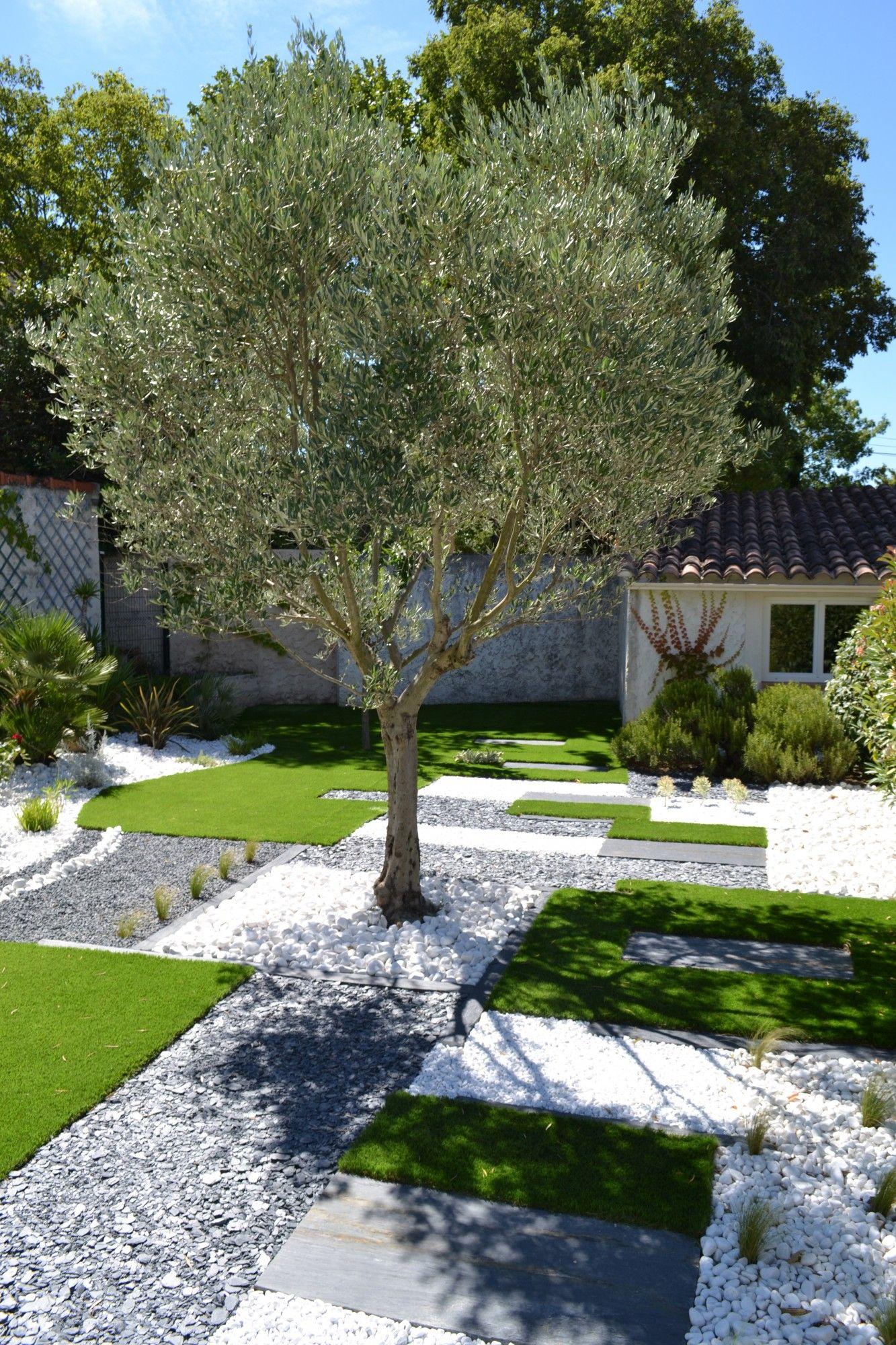Galets Blancs, Gazon Synthétique, Placques De Schistes ... destiné Jardin Avec Galets Blancs