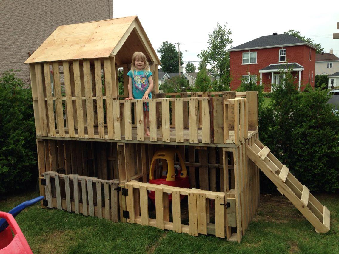 Garage Double À Voiturettes Et Maisonnette Pour Enfants À 2 ... concernant Cabane De Jardin Pour Enfants