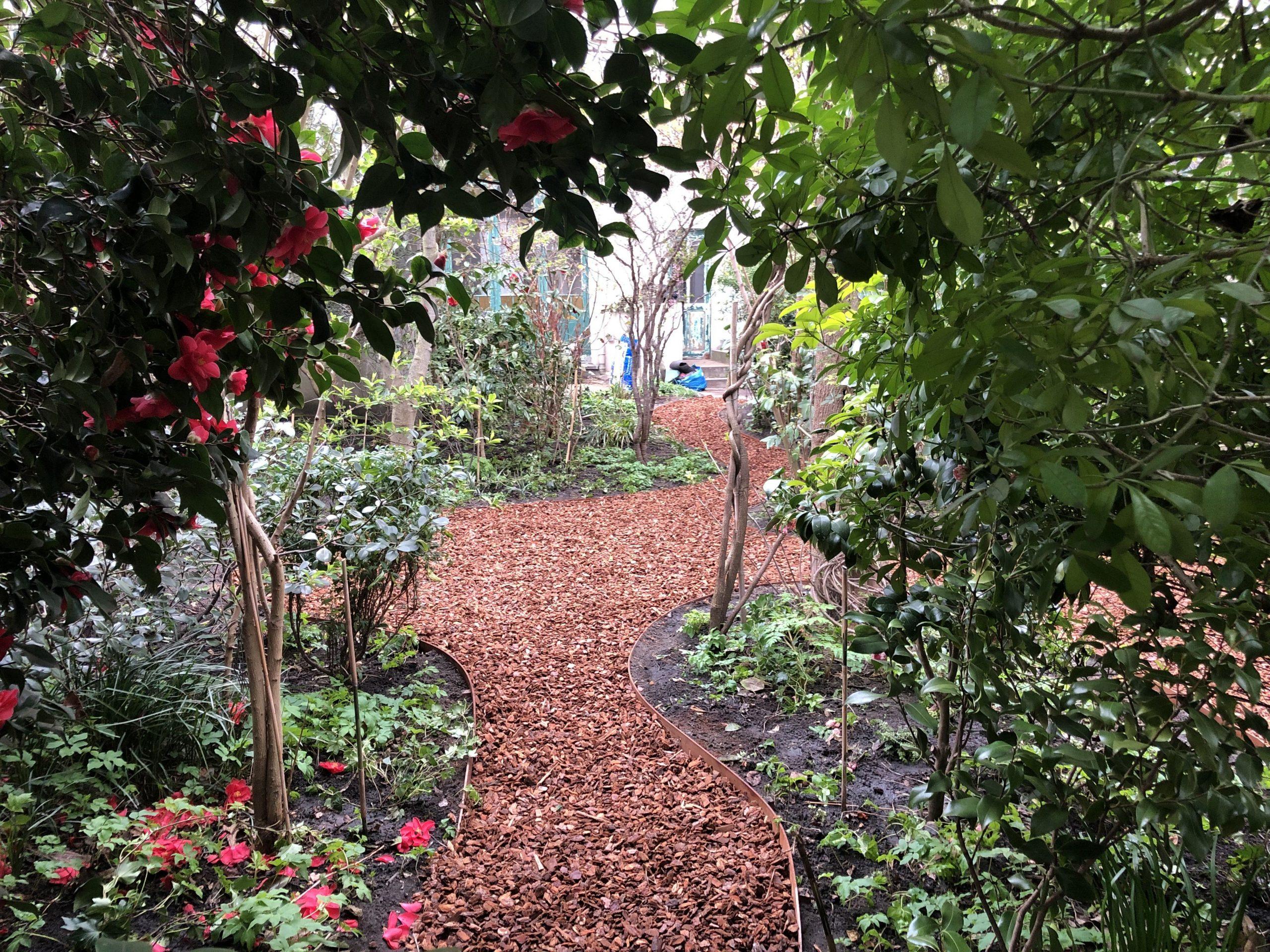 Jardin De Ville De 200M2 // Bruxelles - Schaerbeek ... tout Copeaux De Bois Jardin