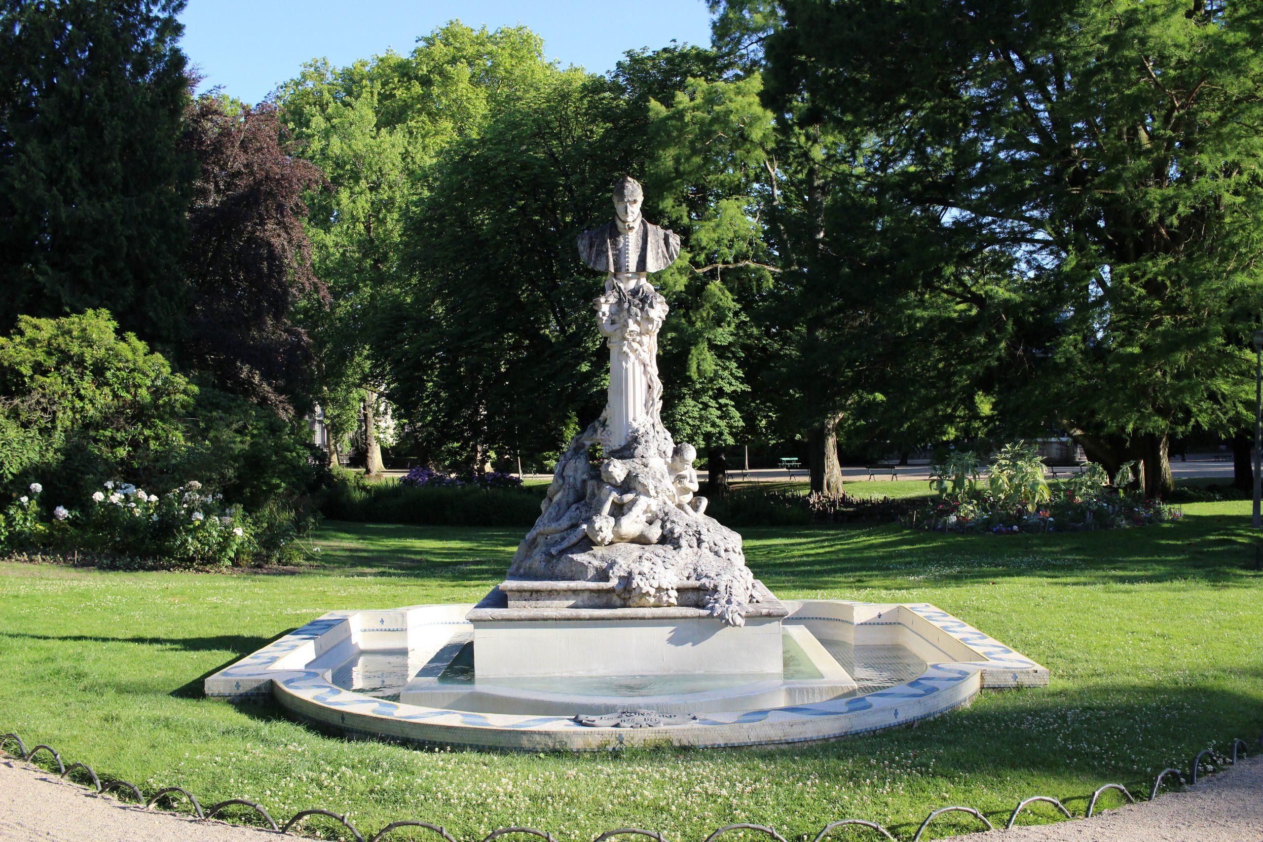 Jardin Des Prébendes D'oé — Wikipédia tout Statues De Jardin Occasion