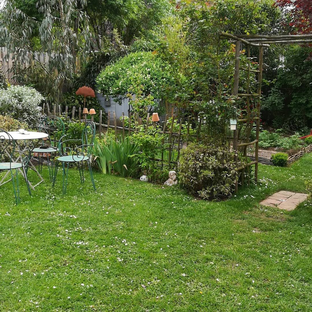 Je L'aime Beaucoup Ma Petite Barrière De Jardin ... dedans Petite Barriere Jardin