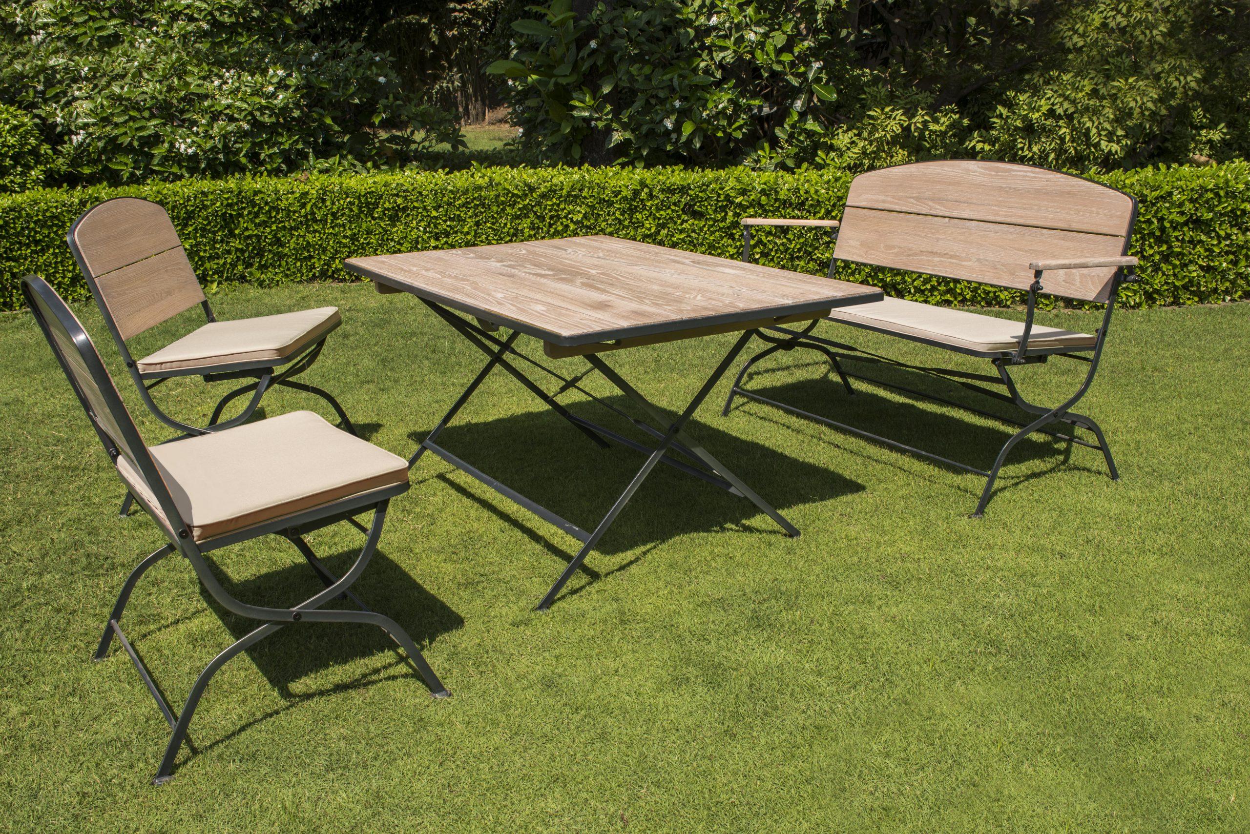 La Maison Du Jardin : Salon De Jardin Pliant En Bois Et ... pour Salon De Jardin Table Haute