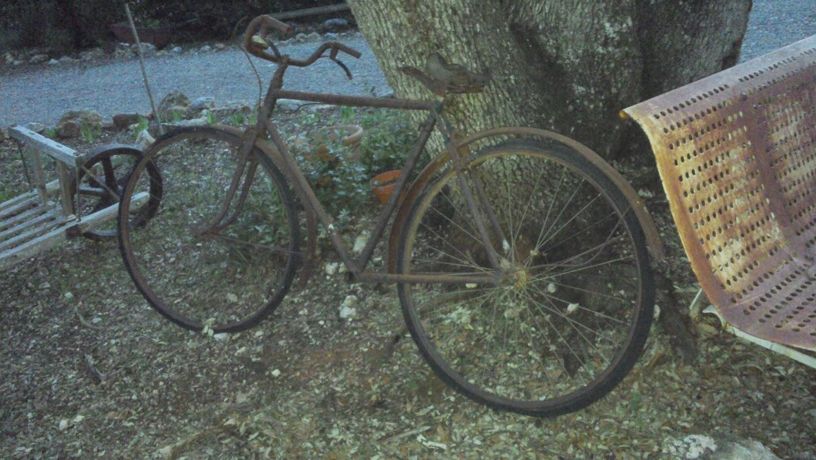 Le Vide Grenier De Didou La Brocante: Ancien Vélo Tout ... encequiconcerne Velo Deco Jardin