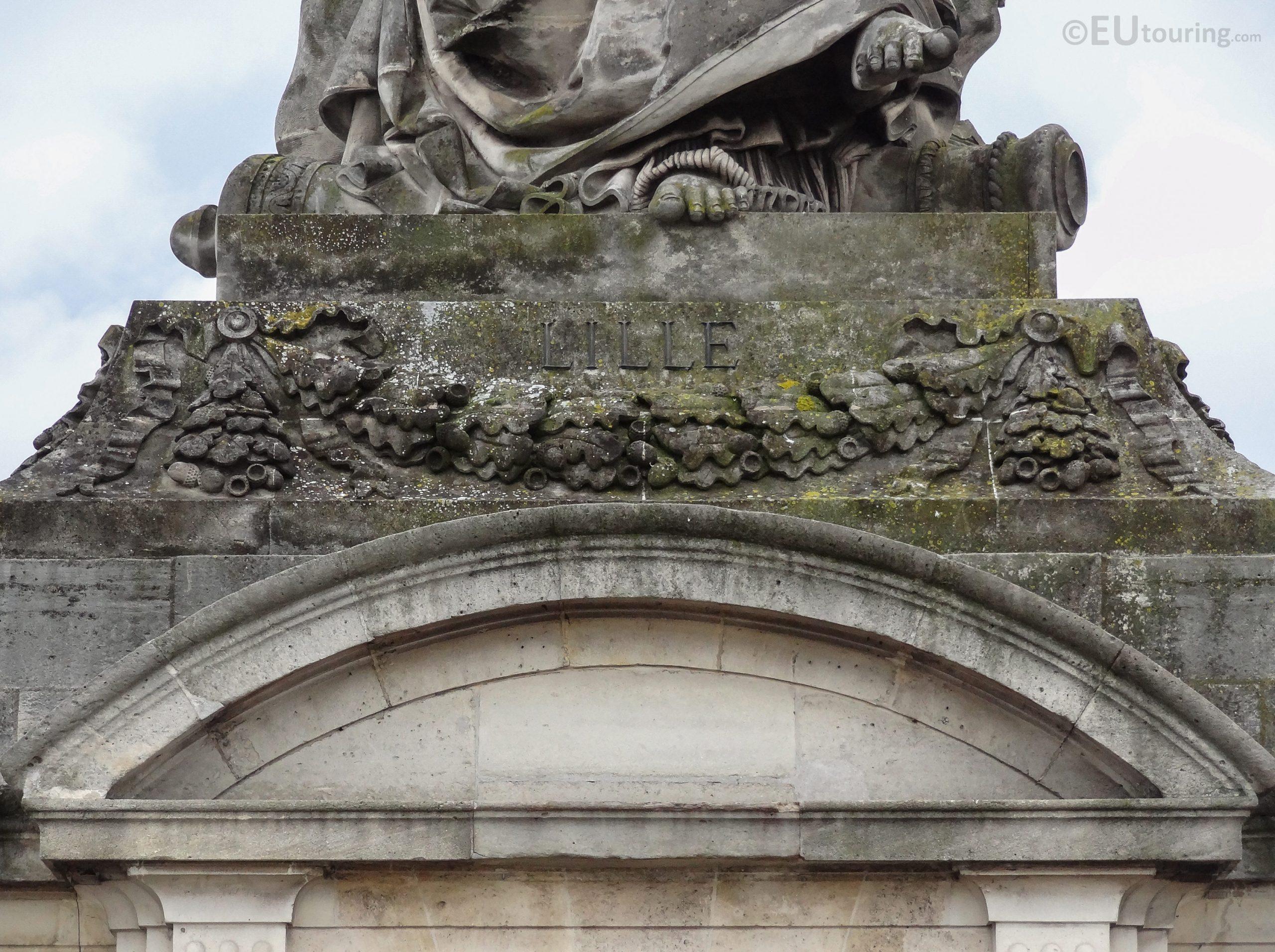 Lille Statue Inside Place De La Concorde - Page 1037 à Statues De Jardin Occasion
