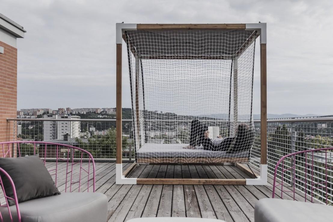 Lit De Jardin Hamac Suspendu En Cage Leva : Mobilier De ... tout Lit Suspendu Jardin