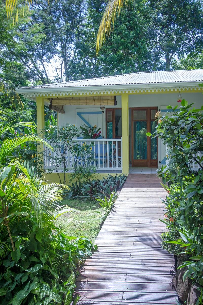 Location De Gîte À Deshaies En Guadeloupe - Au Jardin Des ... à Au Jardin Des Colibris