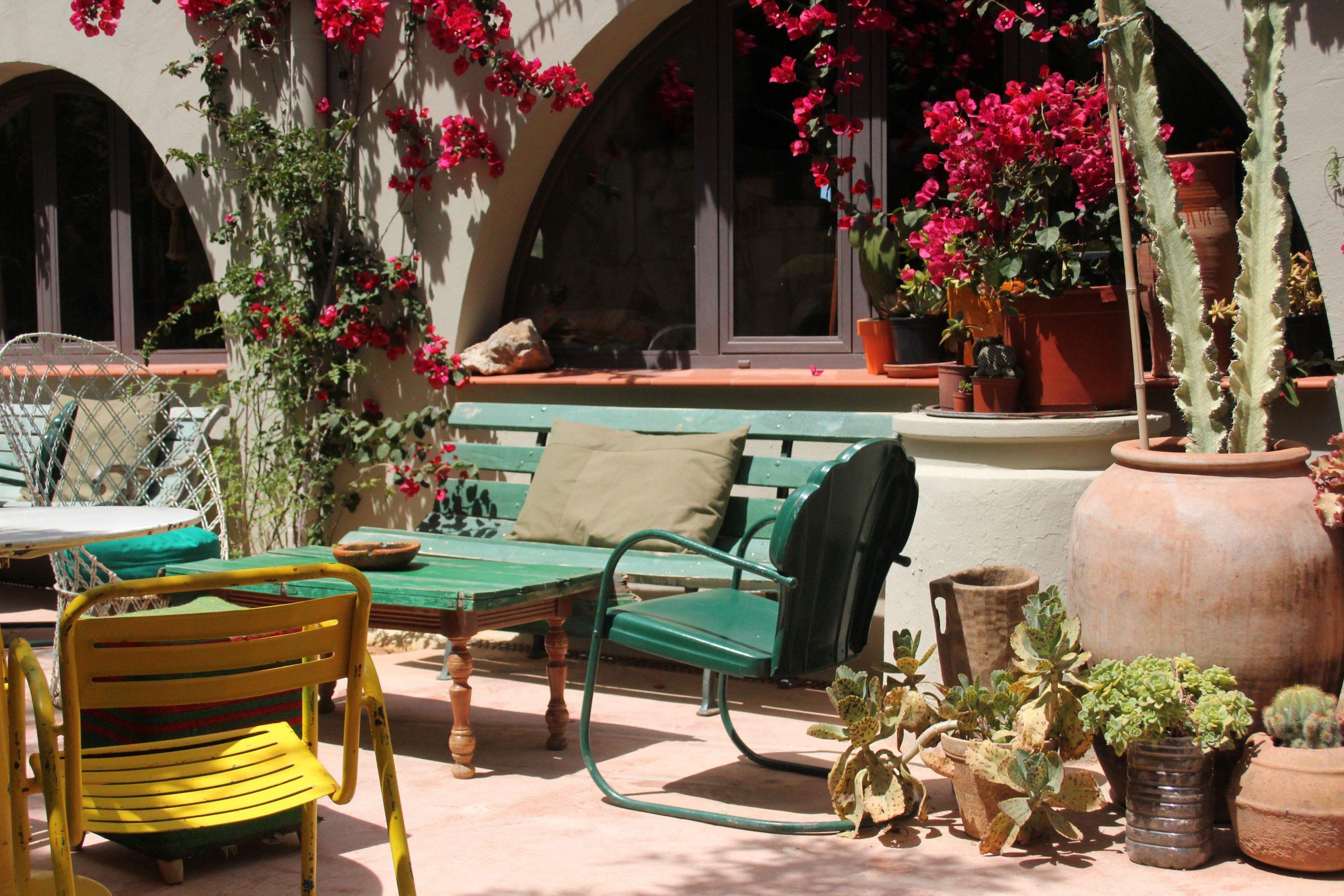 Los Enamorados Hotel - Ibiza / Green Sofa / Yellow Chair ... encequiconcerne Salon De Jardin D Occasion