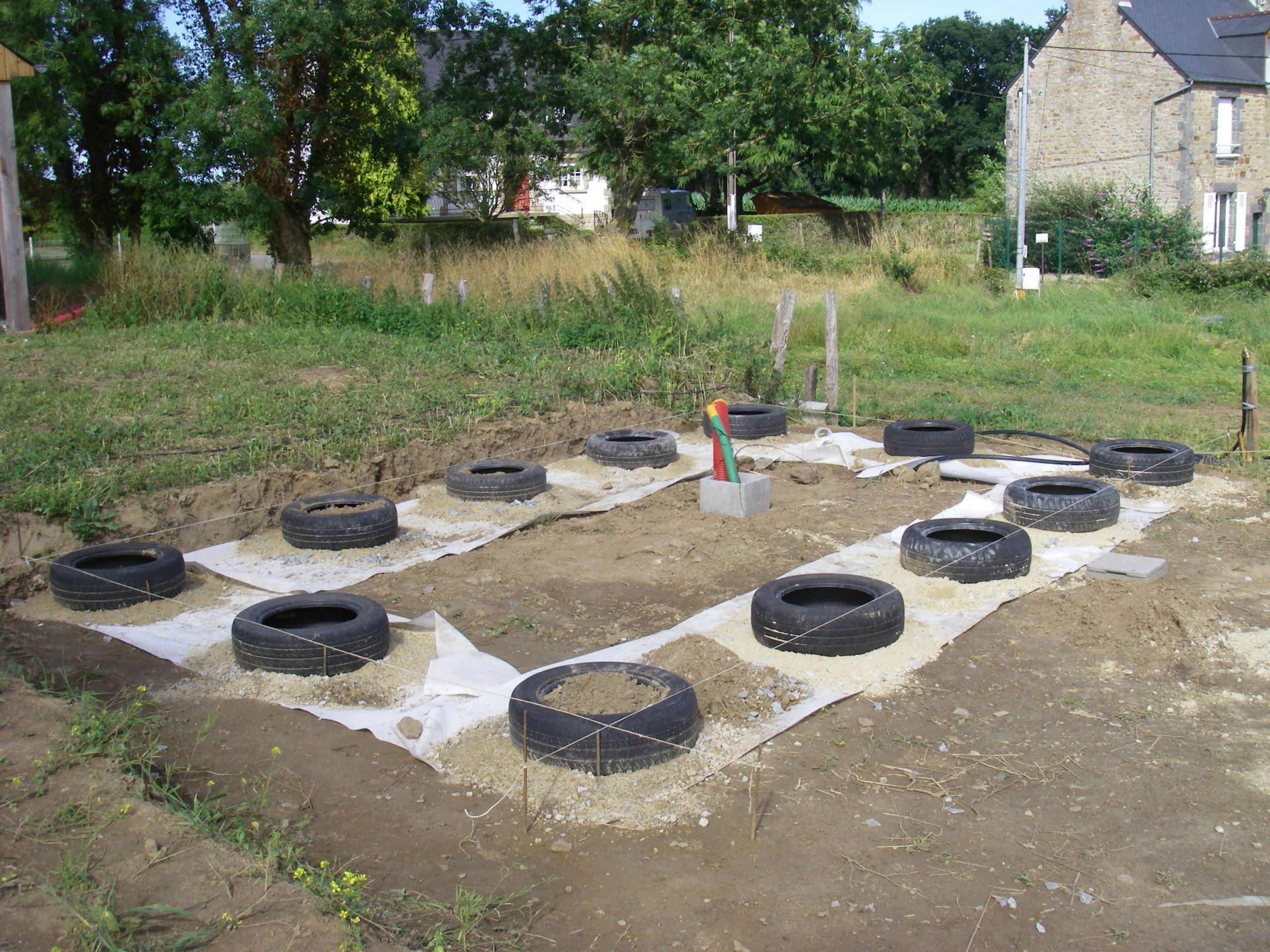 Maisonnette] Les Fondations En Pneus | I Love La Paille avec Fondation Abri De Jardin