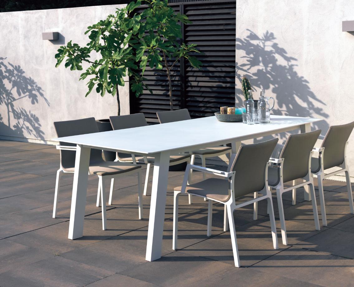 Mobilier De #jardin #truffaut | Vivre Au Jardin | Table ... à Salon De Jardin Truffaut