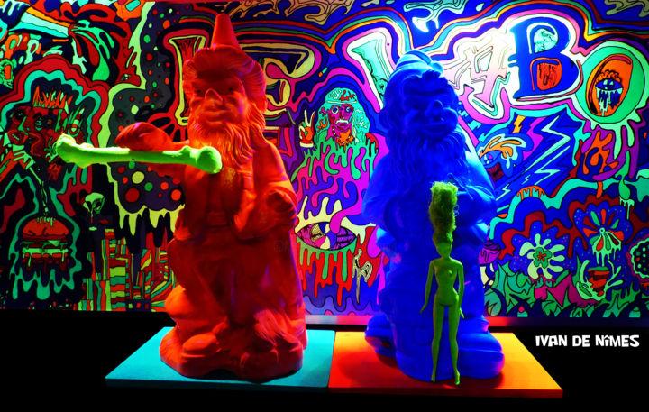 Nains Carnivores* (Luminescents / 80Cm) Installation By Ivan ... intérieur Nain De Jardin Design