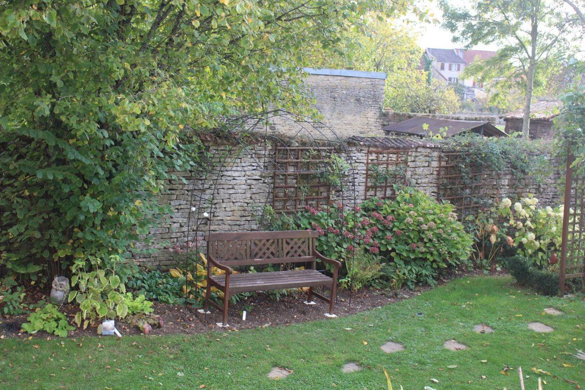 Notre Jardin Secret.: Une Arche En Fer À Béton concernant Arche De Jardin En Fer - Idees ...