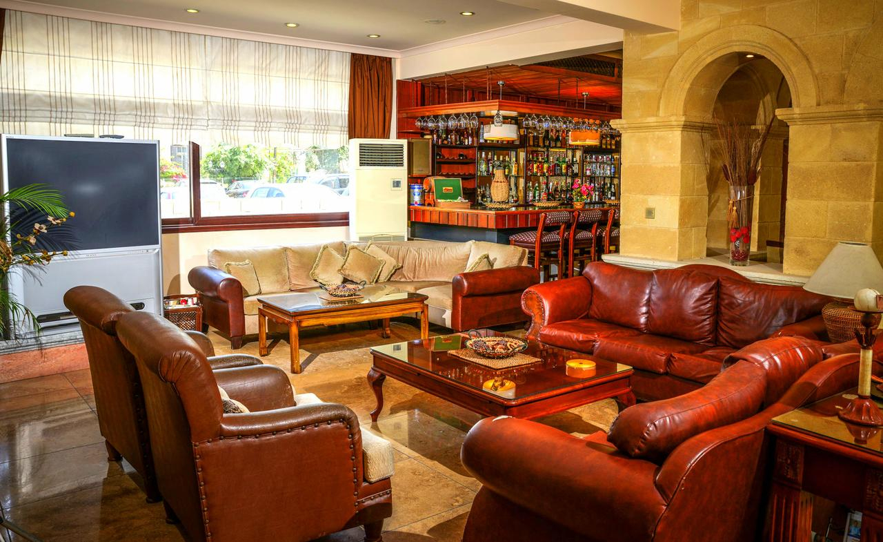 Otel Anadol By The Harbour (Kıbrıs Girne) - Booking dedans Salon De Jardin Casino