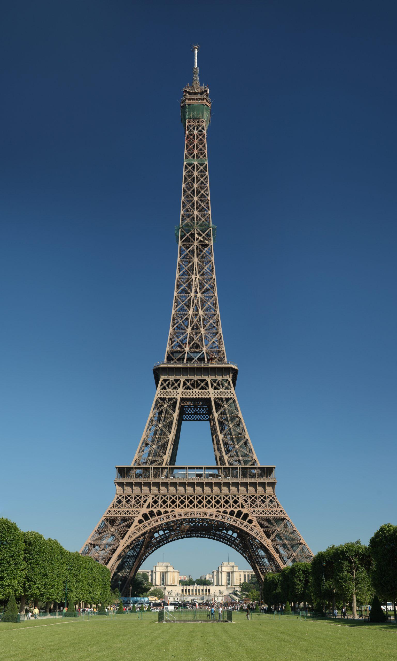 Paris - Vikipedi destiné Salon De Jardin En Pierre