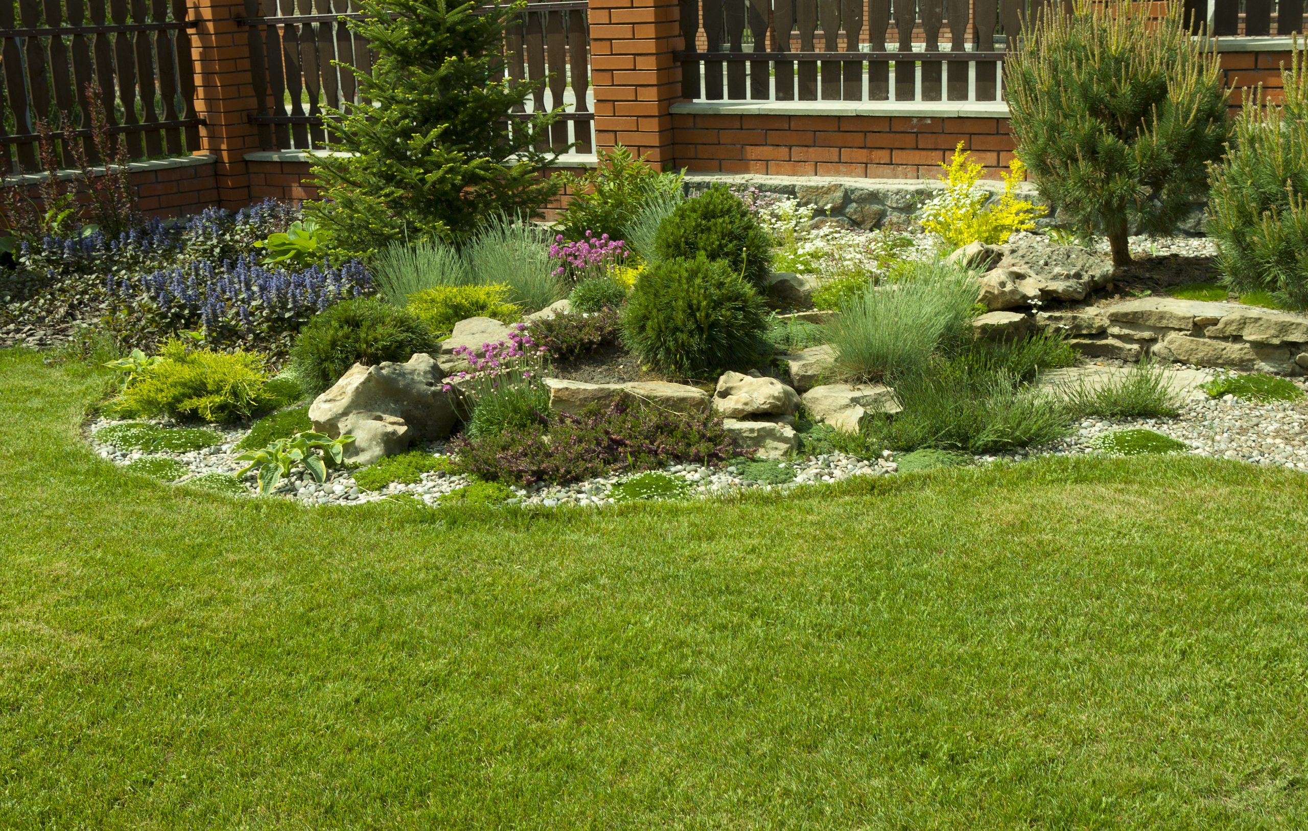Paysagistes À Québec: Jardin, Arbres & Plates-Bandes | Prix ... encequiconcerne Exemple D Aménagement De Jardin