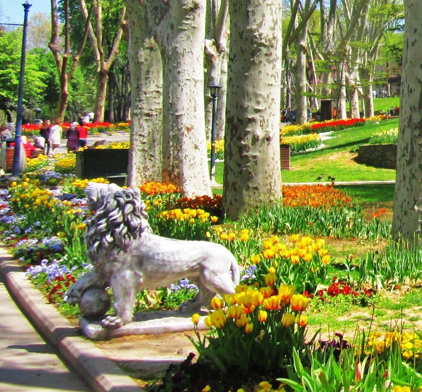 Quel Est Le Plus Beau Parc D'istanbul? Comment Peux-Je Y ... dedans Statues De Jardin Occasion