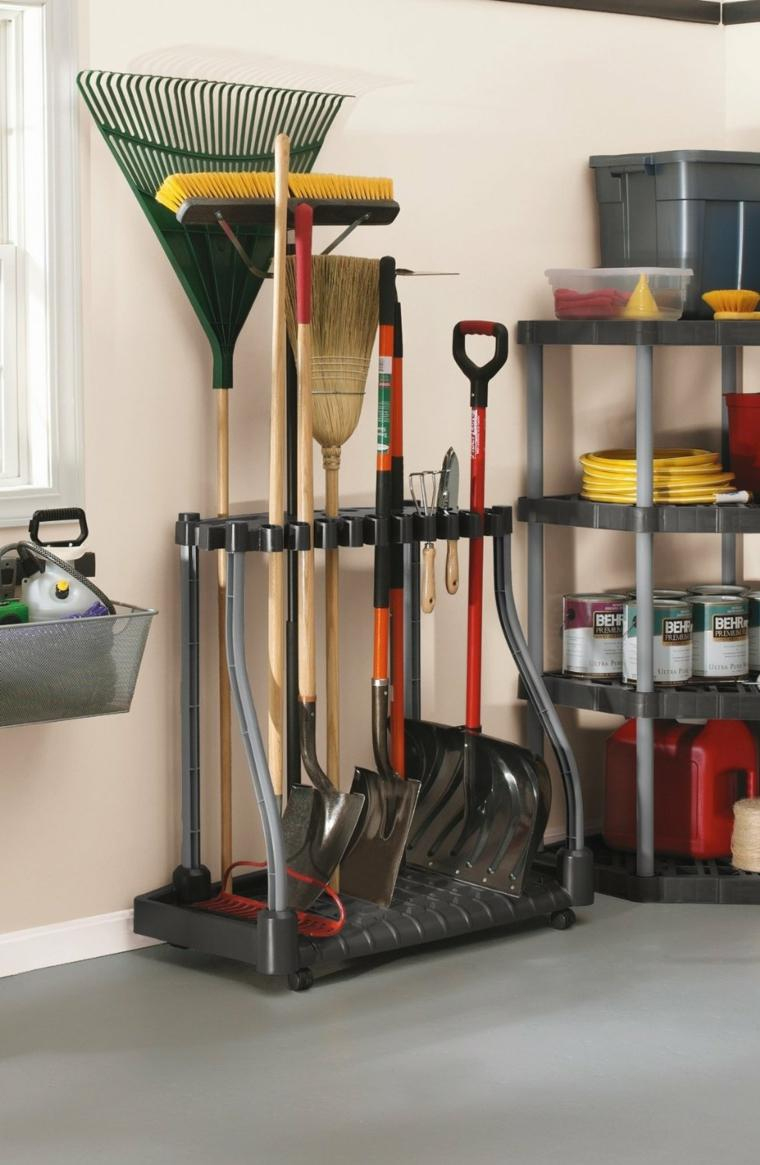 Range Outils De Jardin Et Organisation Du Garage tout Range Outils De Jardin
