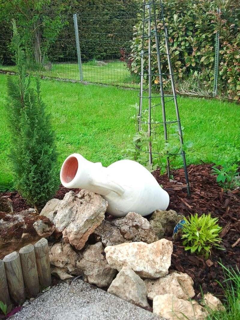 Recherche Plante Vivace Pour Amphore Voir Photo - Au Jardin ... tout Jarre De Jardin
