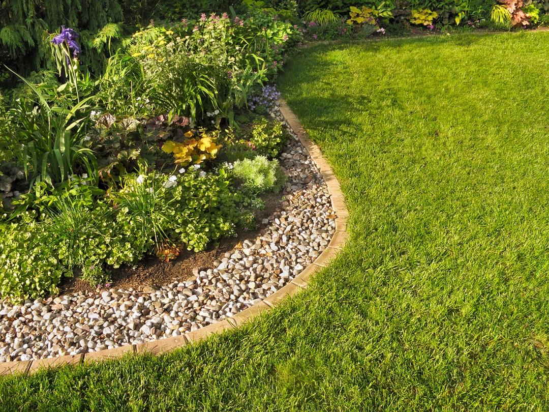 Séparation Des Différents Espaces D'un Jardin : Optez Pour ... concernant Separation De Jardin