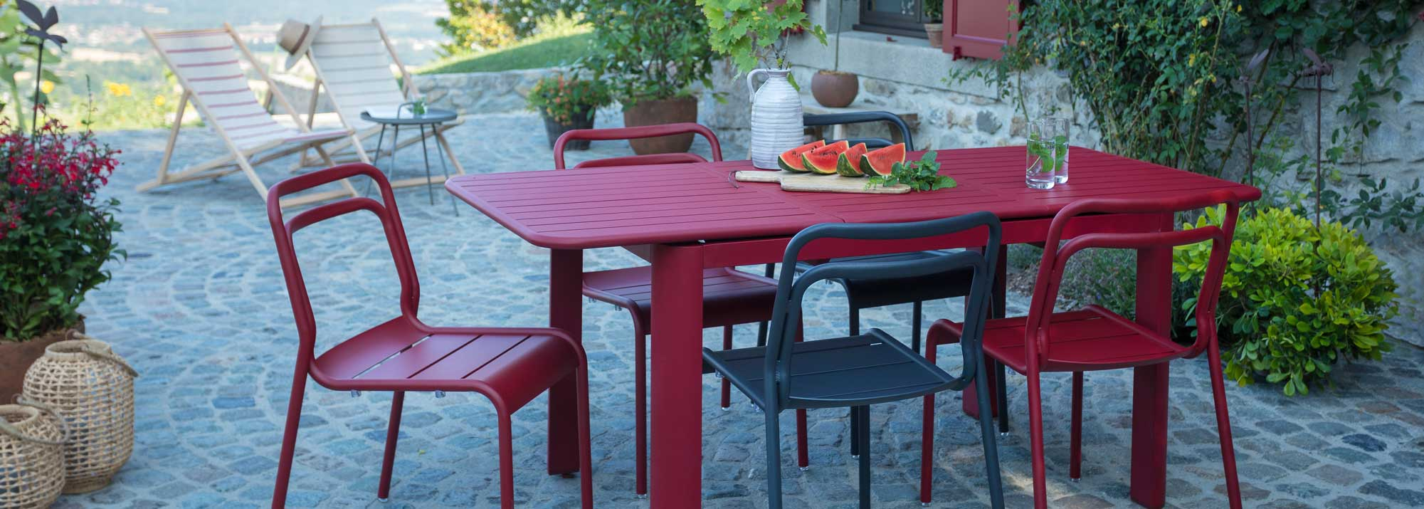 Table De Jardin : Botanic®, Tables De Jardin En Aluminium ... tout Ensemble Table Et Chaise De Jardin Pas Cher