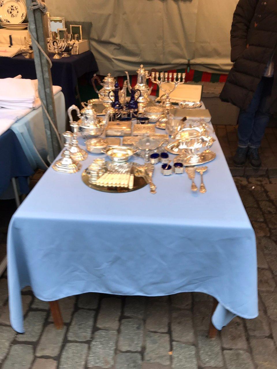 Table Jardin Pierre Élégant Antiekmarkt Zavel Marche Des ... dedans Salon De Jardin En Pierre