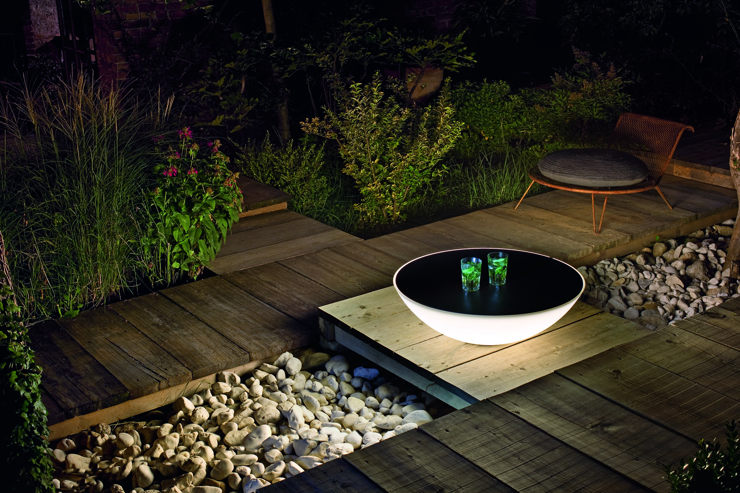 Table Lumineuse Solar De Foscarini | Plancha Exterieur ... intérieur Salon De Jardin Lumineux