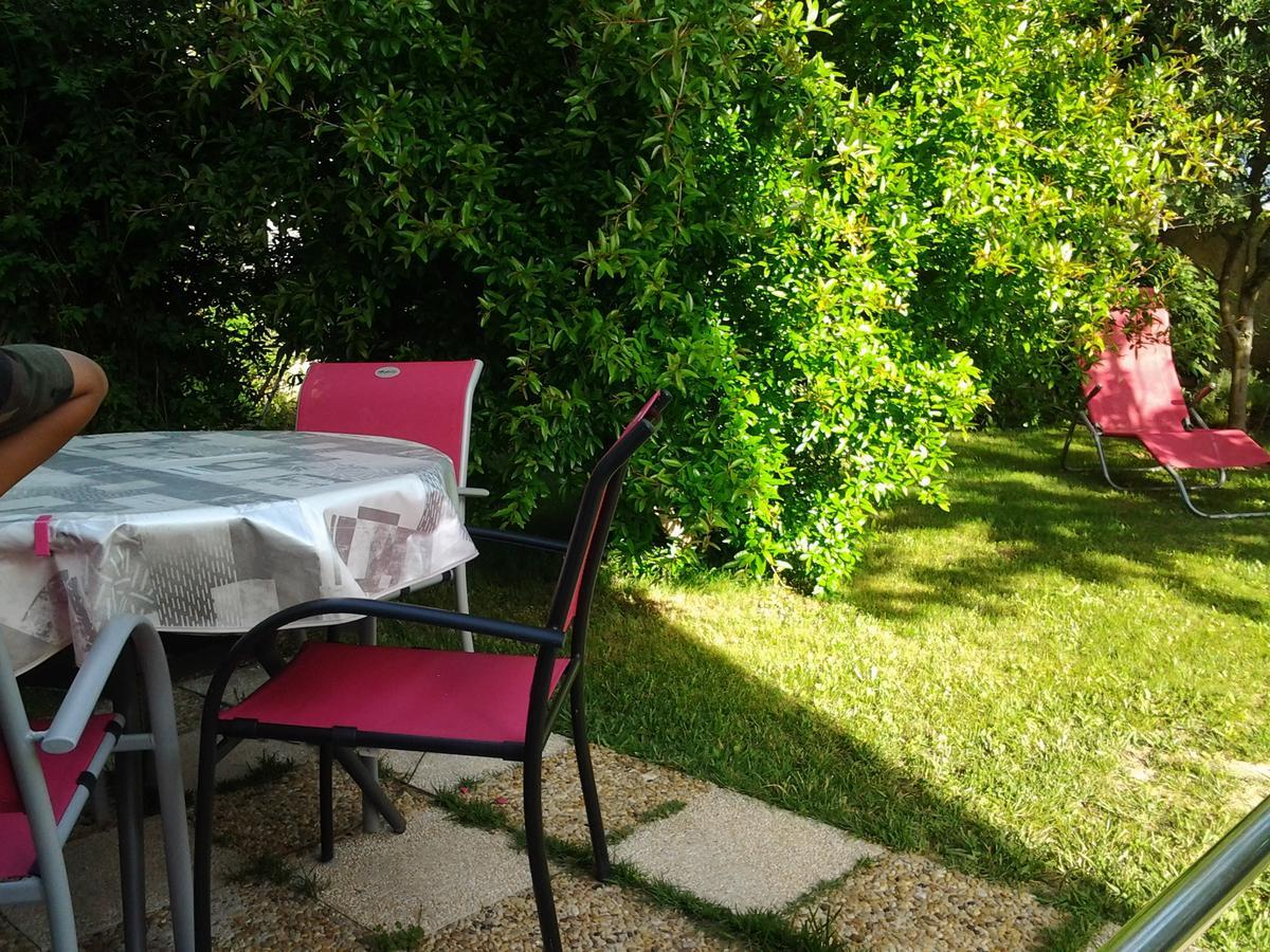 Tatil Evi 3 Allée Henri De Toulouse Lautrec (Fransa Carnoux ... avec Intermarché Table De Jardin