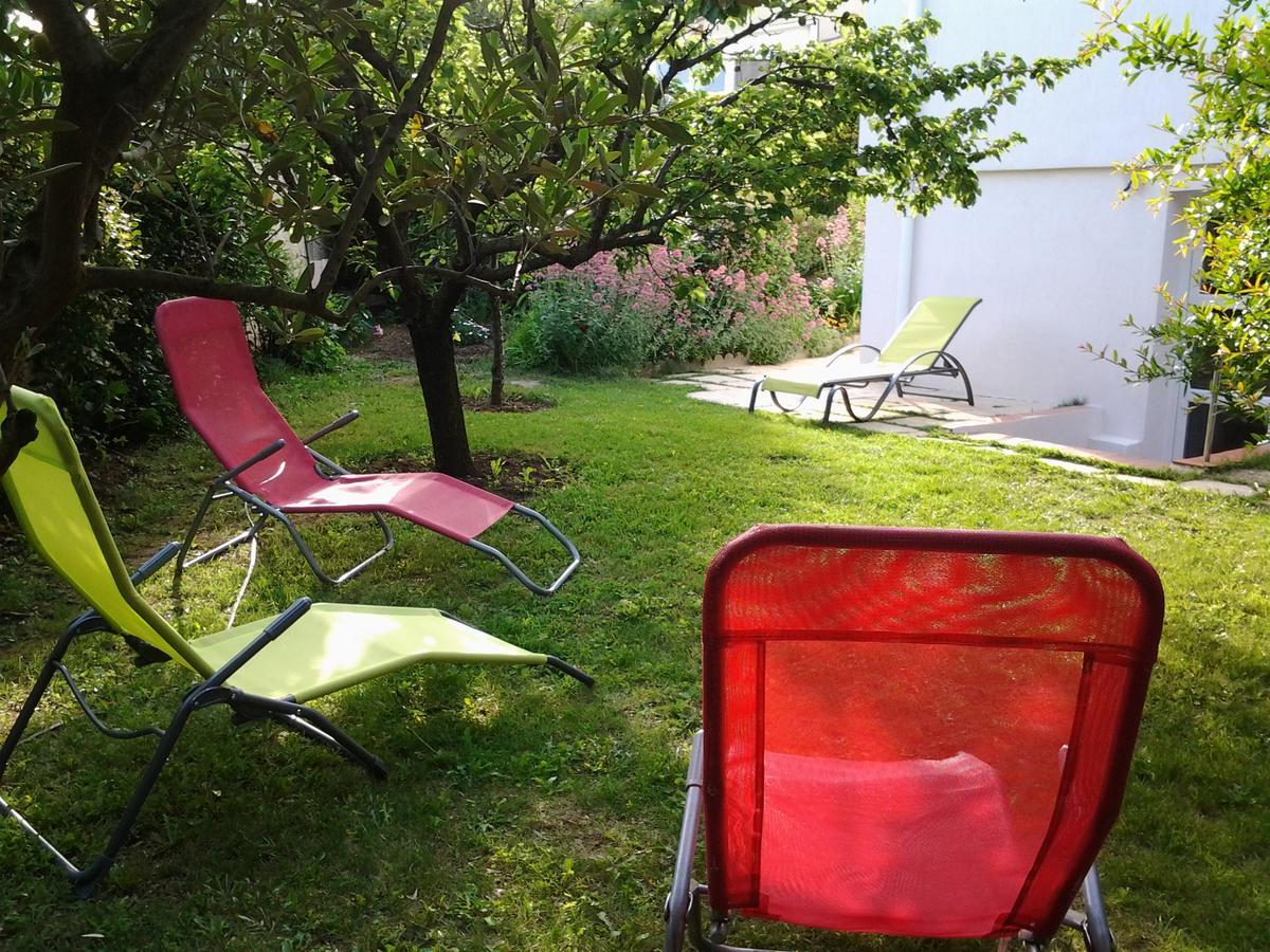 Tatil Evi 3 Allée Henri De Toulouse Lautrec (Fransa Carnoux ... tout Salon De Jardin Intermarché