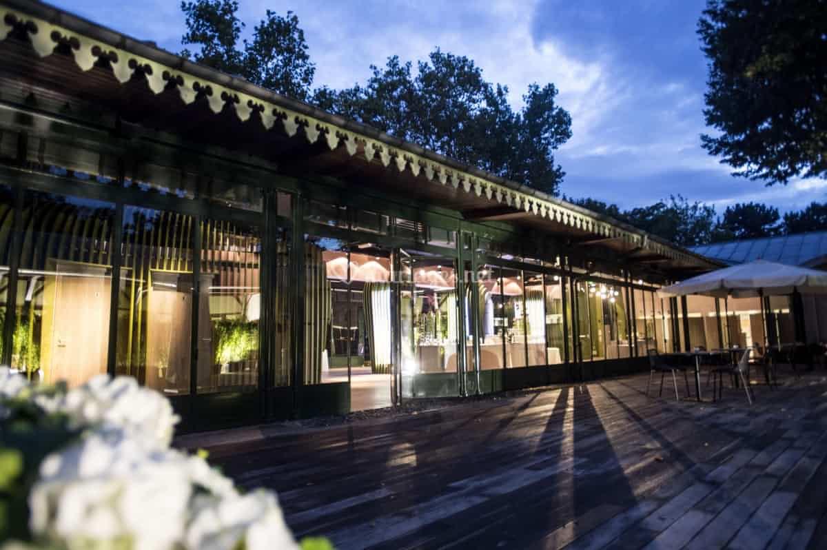 Terrasse de la grande verri re de jardin d 39 acclimatation Verriere jardin