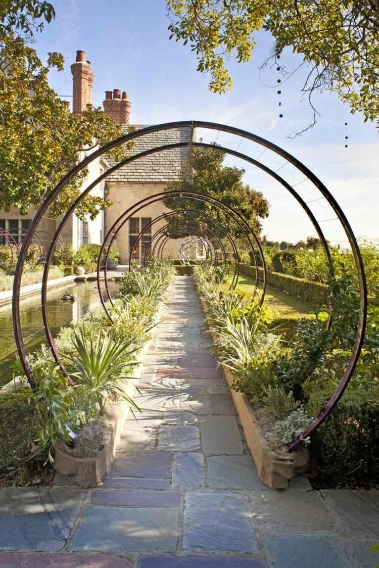 Tonnelles De Jardin En Fer De Forme Ronde | Tonnelle Jardin ... à Arche De Jardin En Fer