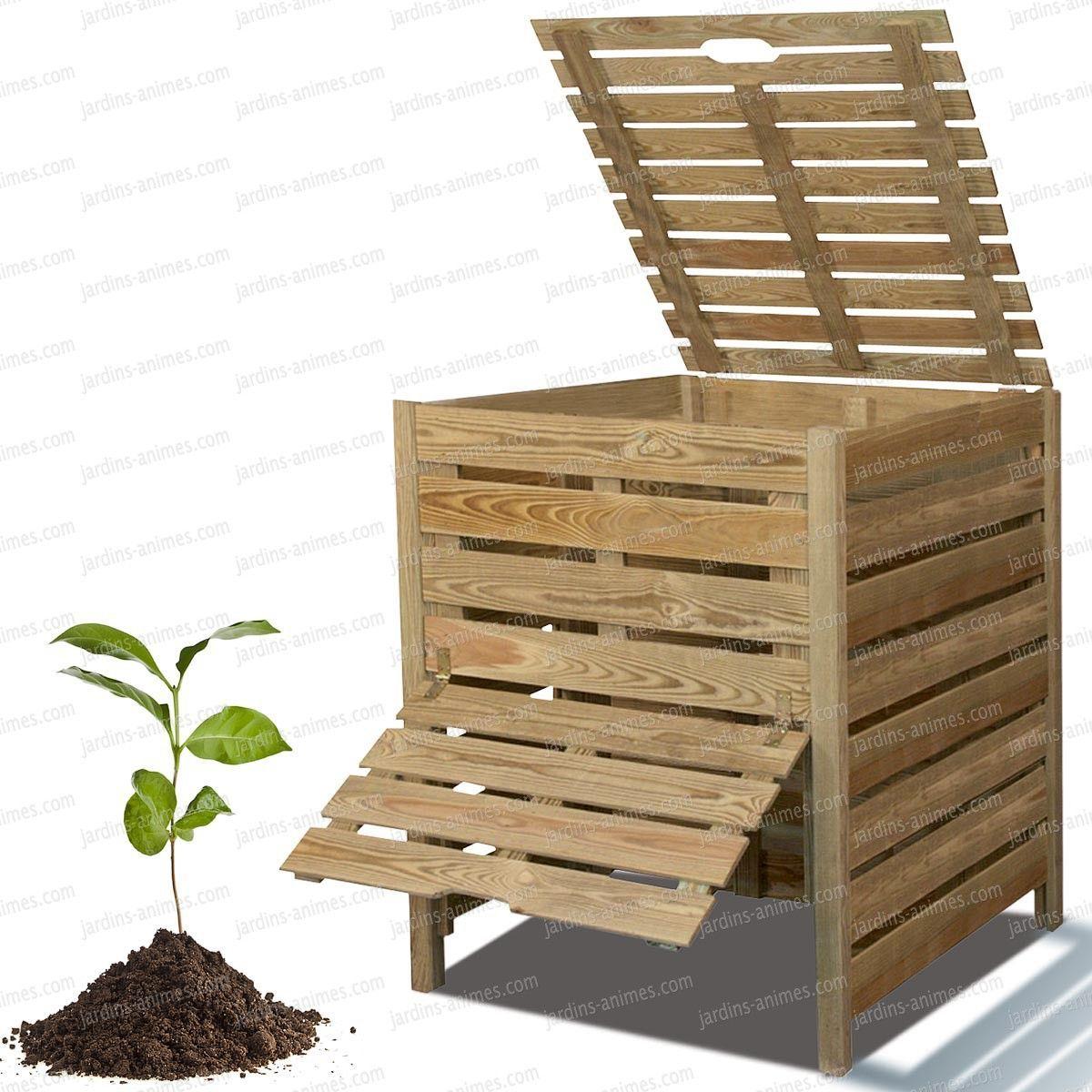 Un Bac À Compost En Bois. Indispensable Pour Recycler Et ... intérieur Composteur De Jardin