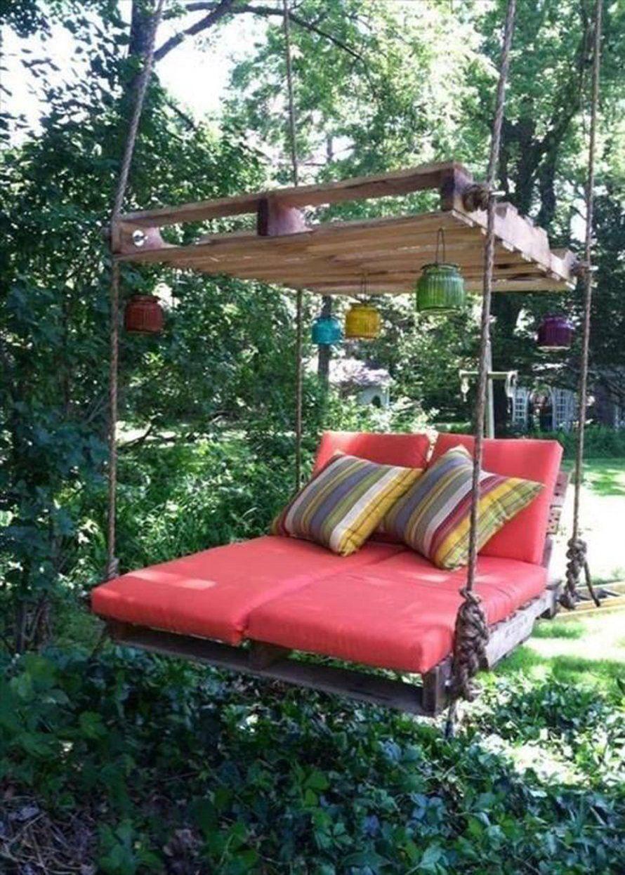 Un Salon De Jardin Suspendu | Balancelle De Jardin, Palette ... dedans Lit Suspendu Jardin