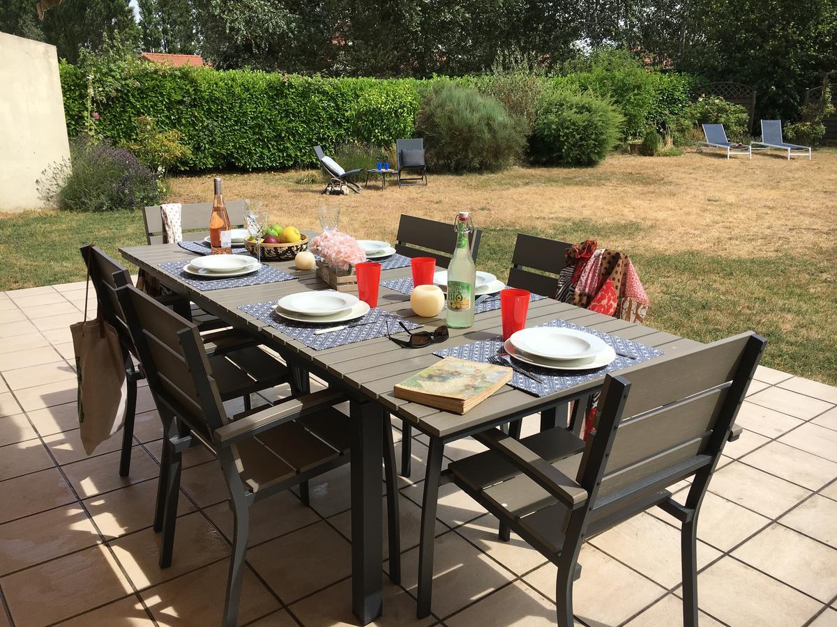 Vacation Home Terre Et Mer - Maison De Campagne À 4 Km Des ... à Salon De Jardin Table Haute