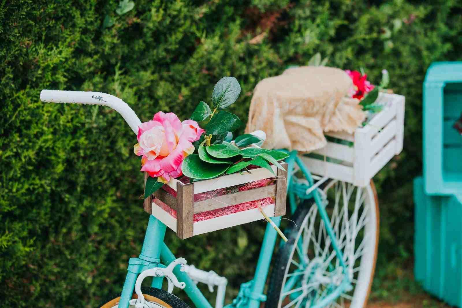 Vélo Déco Jardin En 20 Idées À Copier De Toute Urgence ... tout Velo Deco Jardin