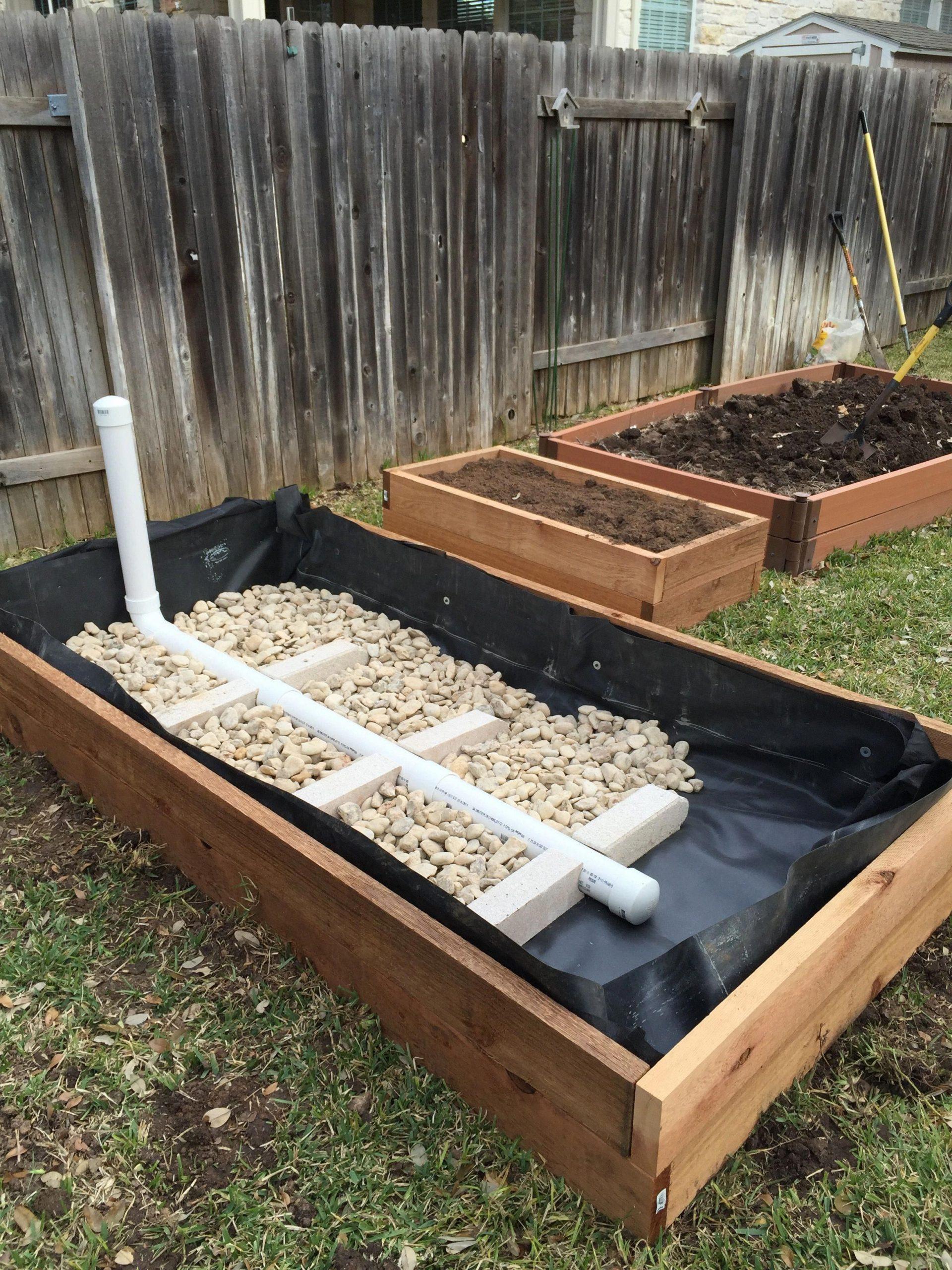 Wicking Garden Bed: Stage 2 #raisedgardenbeds | Jardin En ... encequiconcerne Chassis Jardin