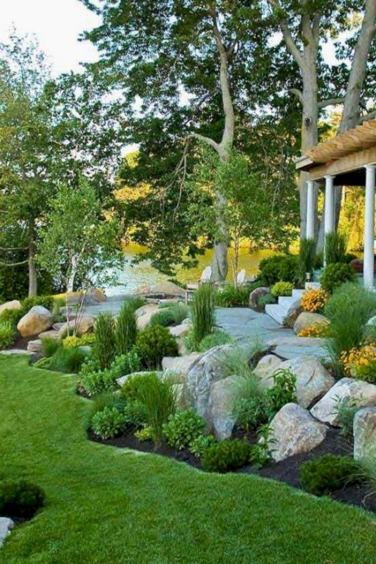 35+ Beautiful Landscaping Ideas That Will Beautiful Your ... serapportantà Ide Rocaille Devant Maison
