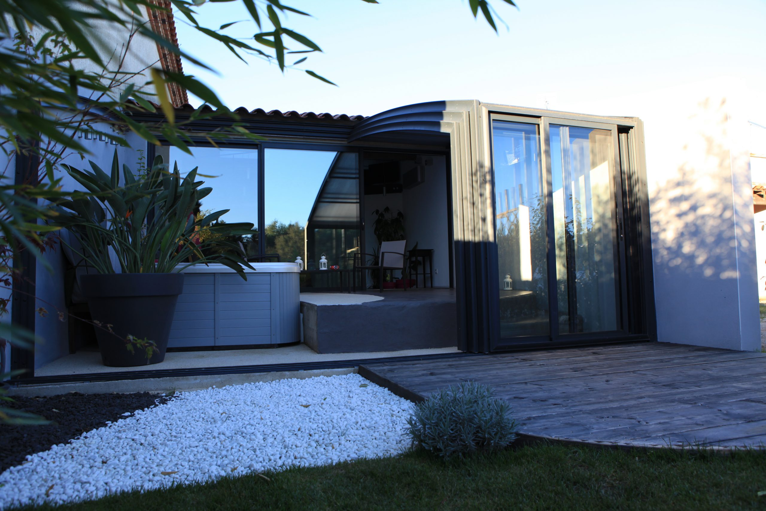 Abri Terrasse Fixe Et Coulissant | Fabricant Azenco serapportantà Abri De Terrasse Coulissant