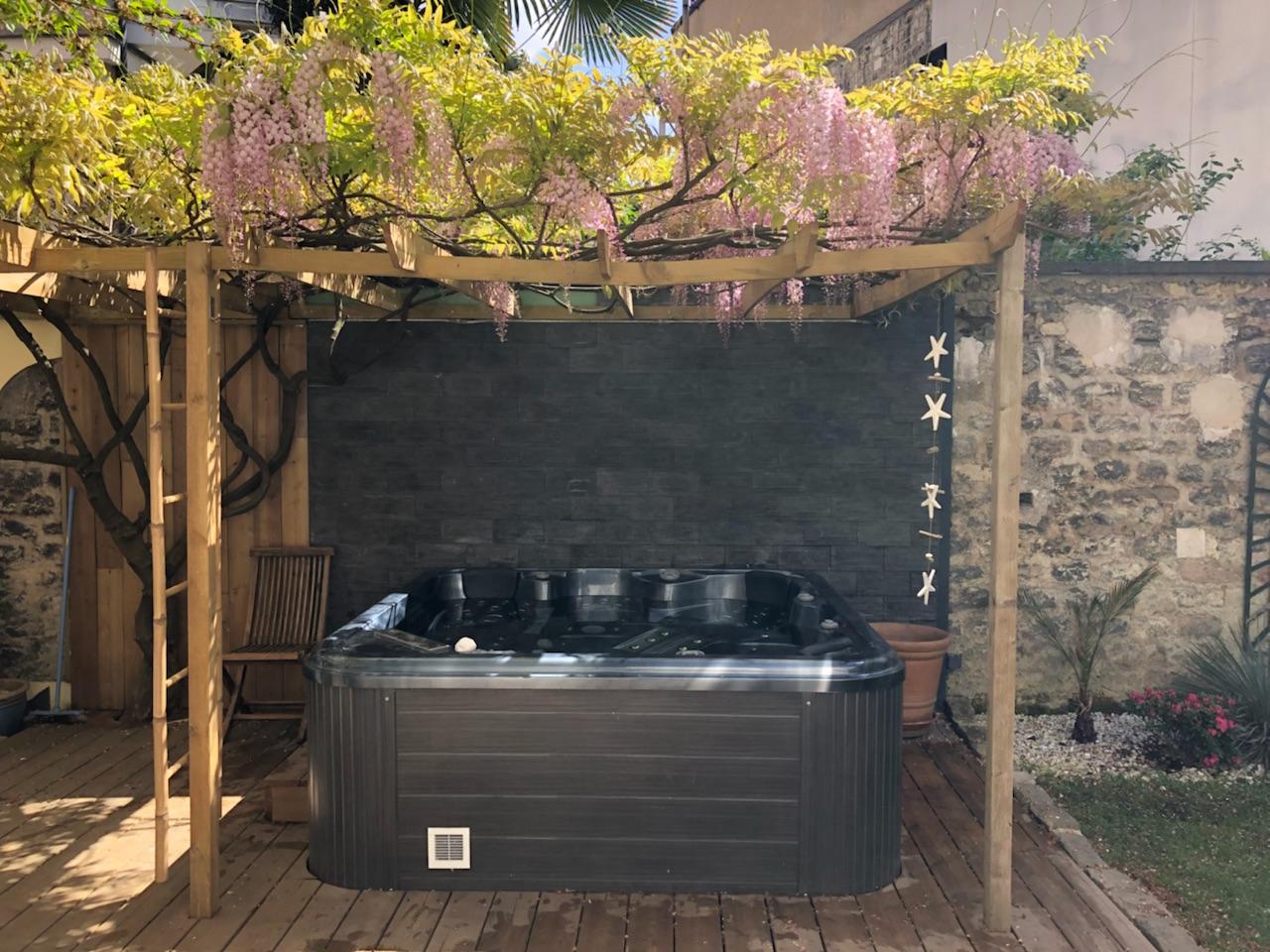 Aménagement Autour D'un Spa Extérieur - Spa Alina pour Aménager Un Coin Spa Dans Le Jardin