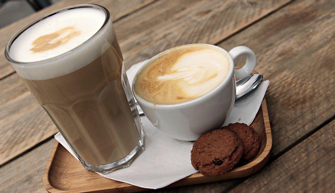 """Cappuccino Vs Latte Macchiato - Der Echte Unterschied ... pour Cappuccino"""""""