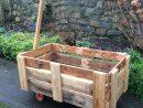 Chariot En Bois De Palettes | Chariot Bois, Construction ... avec Construire Une Charrette En Bois