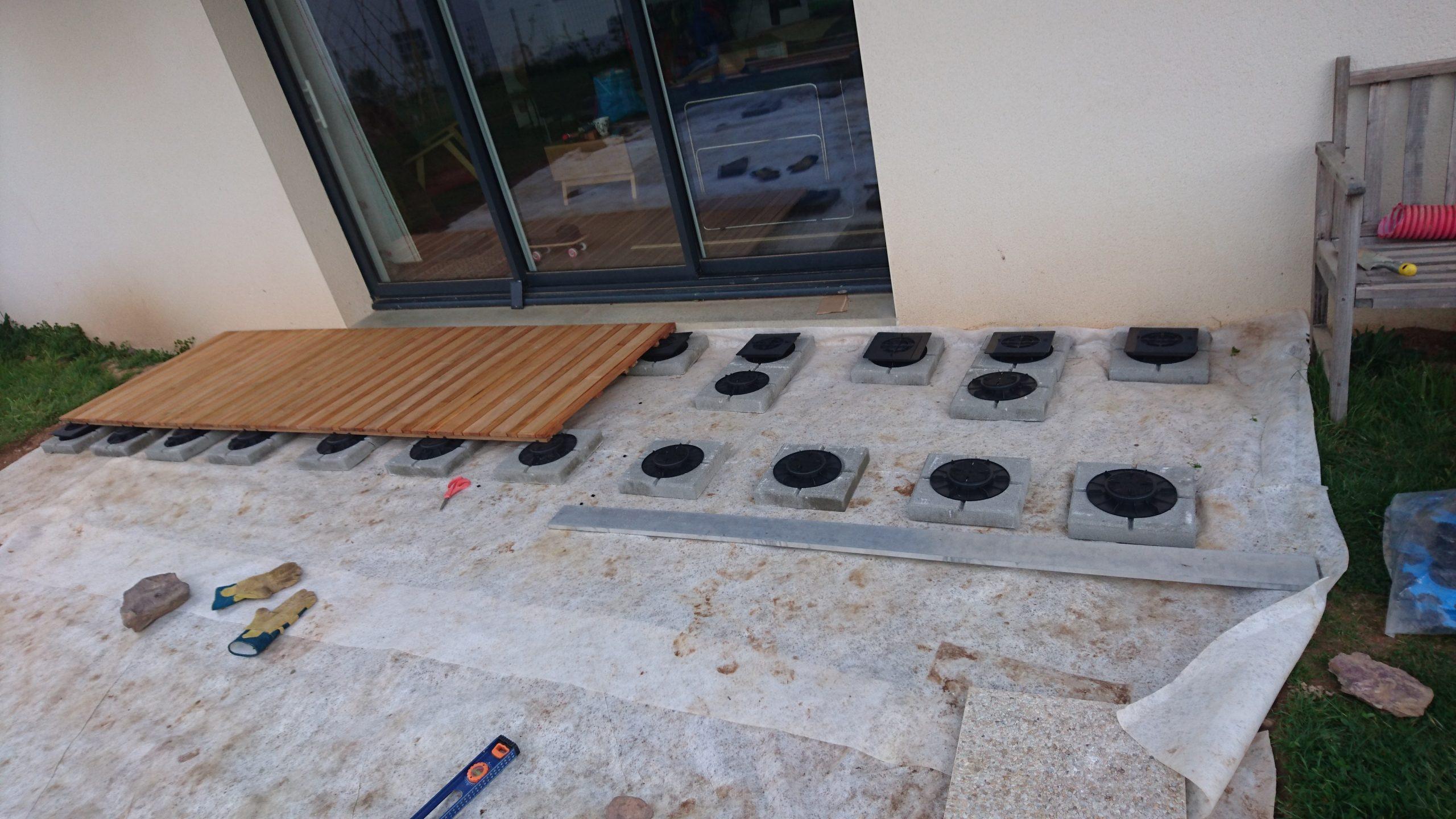 Construire Sa Terrasse Sur De La Terre Meuble - Construction ... avec Dalle Stabilisatrice Pour Plot, H.45 Mm