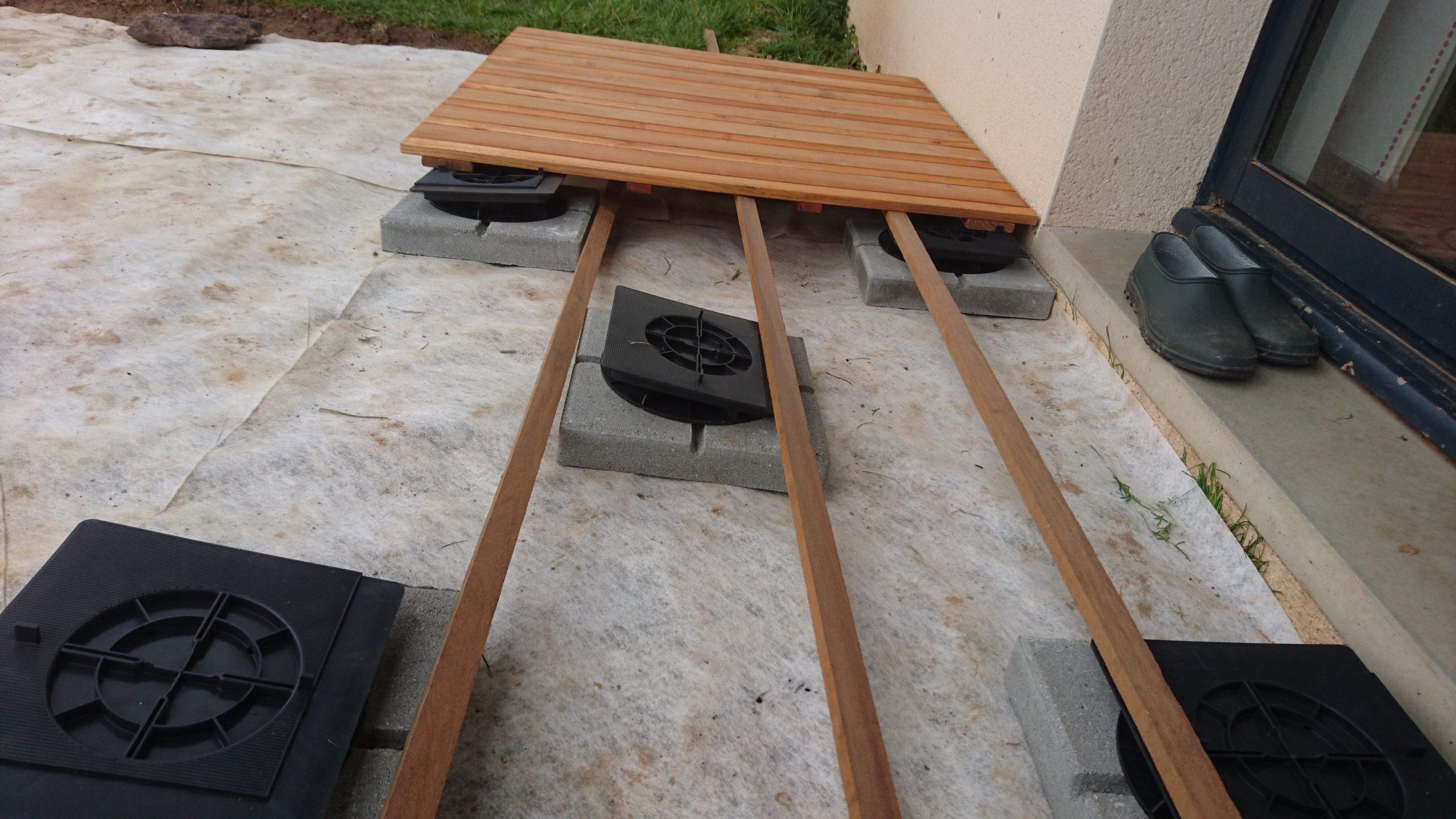 Construire Sa Terrasse Sur De La Terre Meuble - Construction ... destiné Dalle Stabilisatrice Pour Plot, H.45 Mm