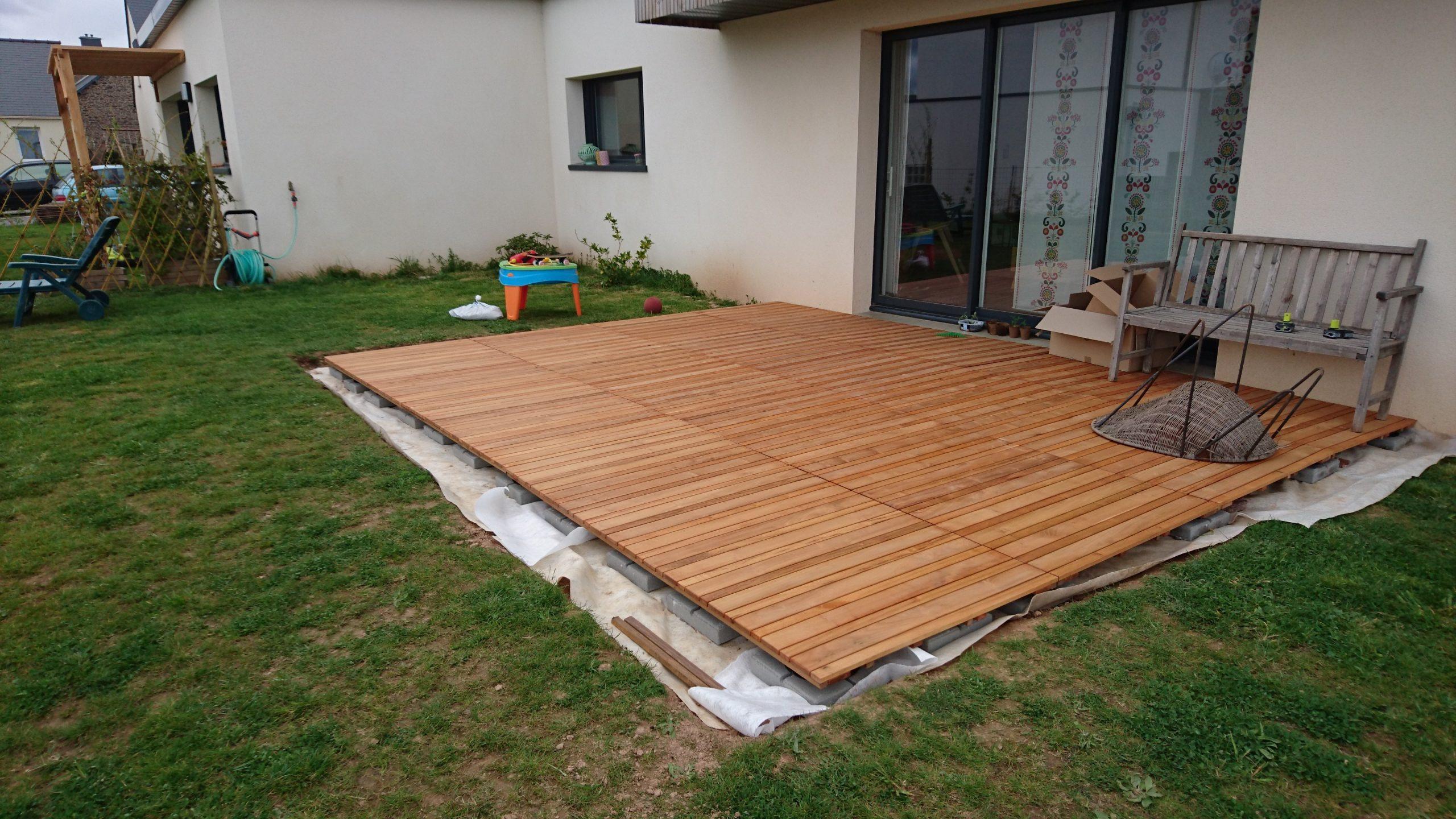 Construire Sa Terrasse Sur De La Terre Meuble - Construction ... pour Terrasse Bois Castorama Sur Plots