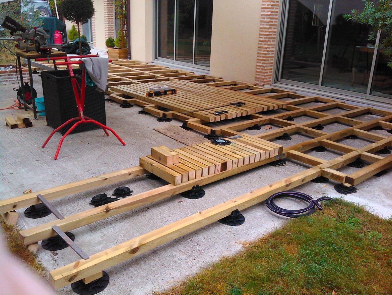 Création D'une Terrasse Bois Avec Lambourde Et Plots ... tout Plot Reglable Terrasse Bois Brico Depot