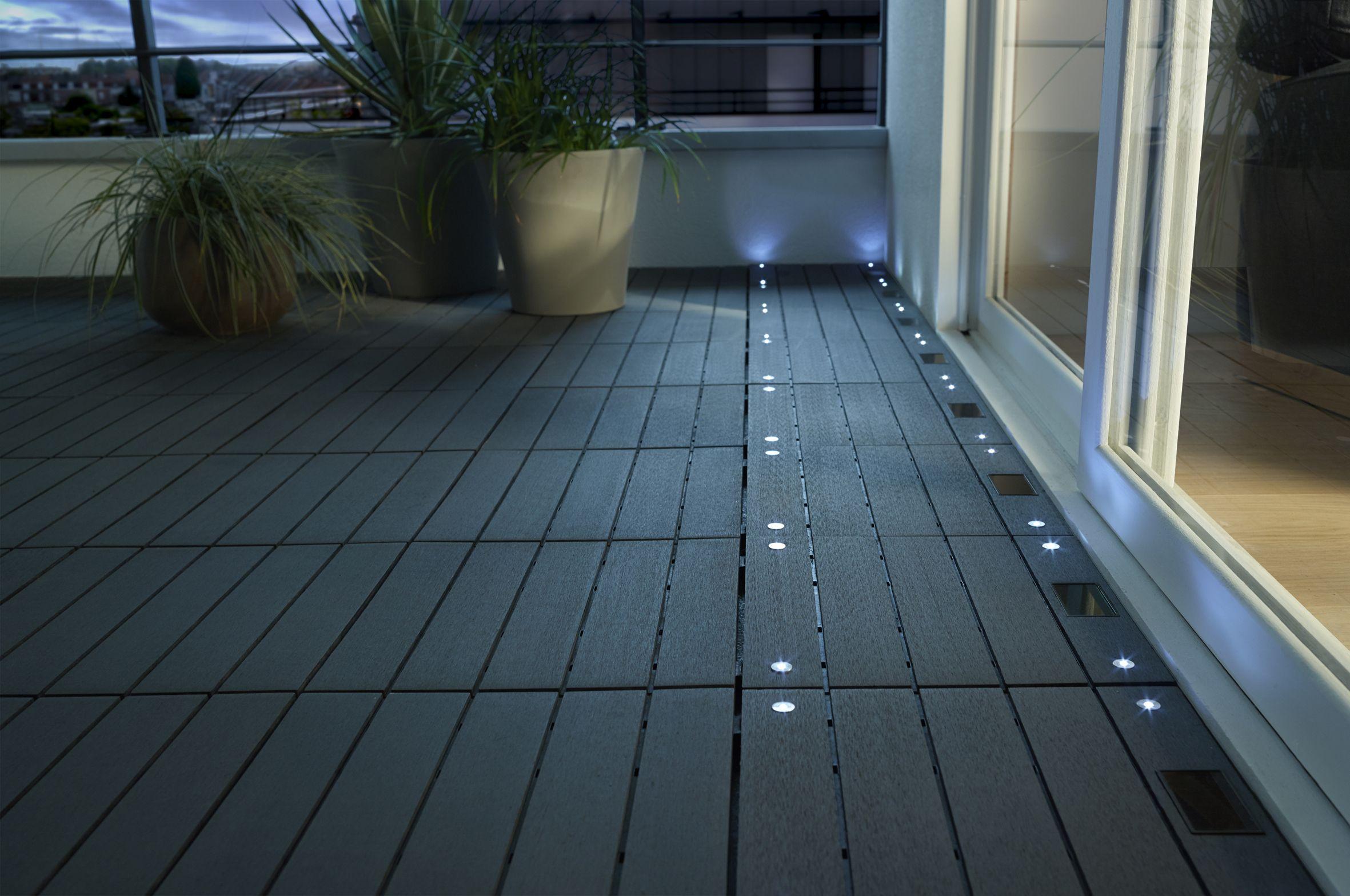 Dalle Balcon Emboitable Composite Avec Led Blooma 30 X 30 Cm ... tout Plot Plastique Terrasse Castorama