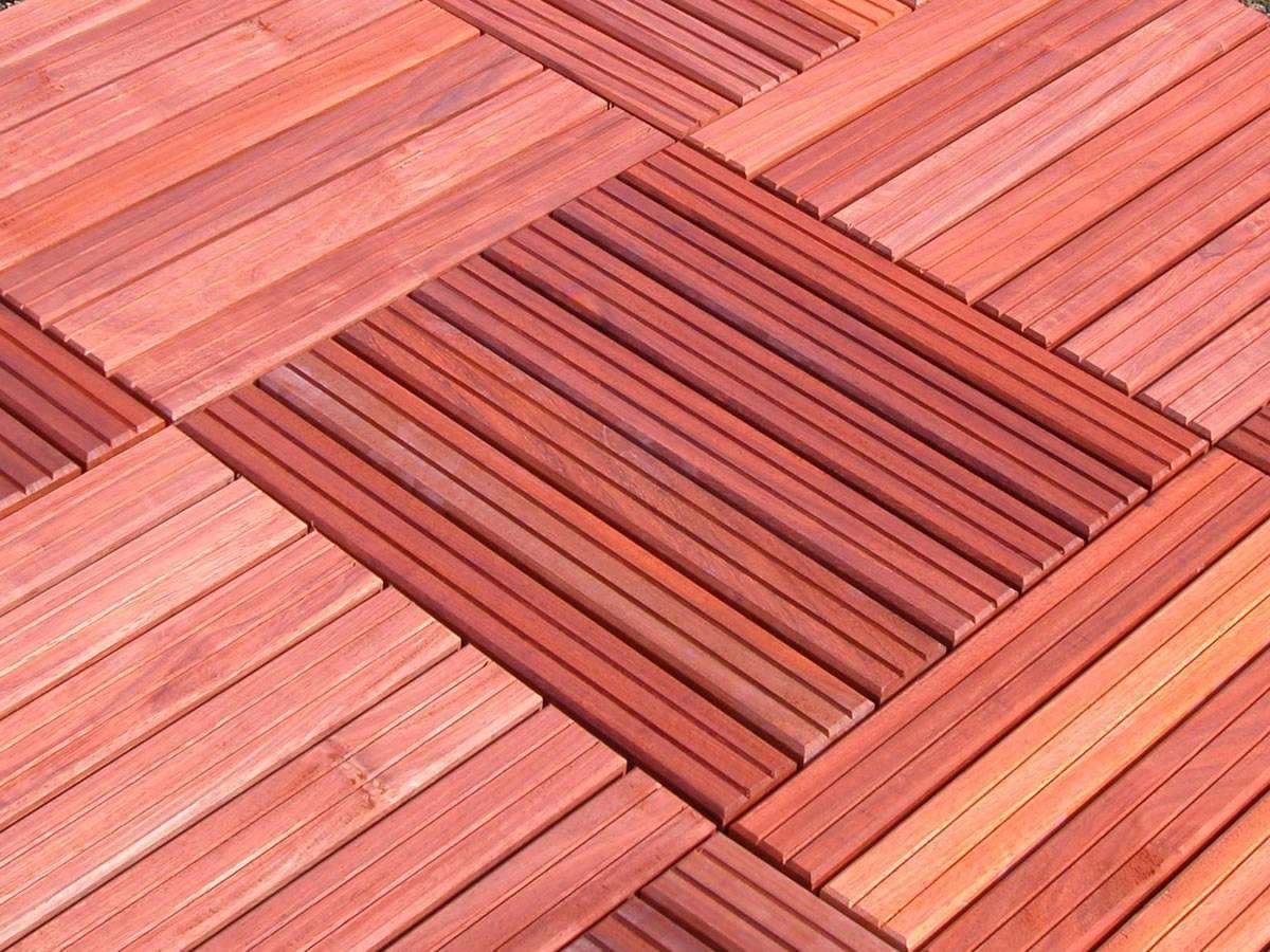 Dalle De Terrasse En Bois Exotique Padouk - 100 X 100 Cm - Caillebotis destiné Dalle Caillebotis Bois 100X100