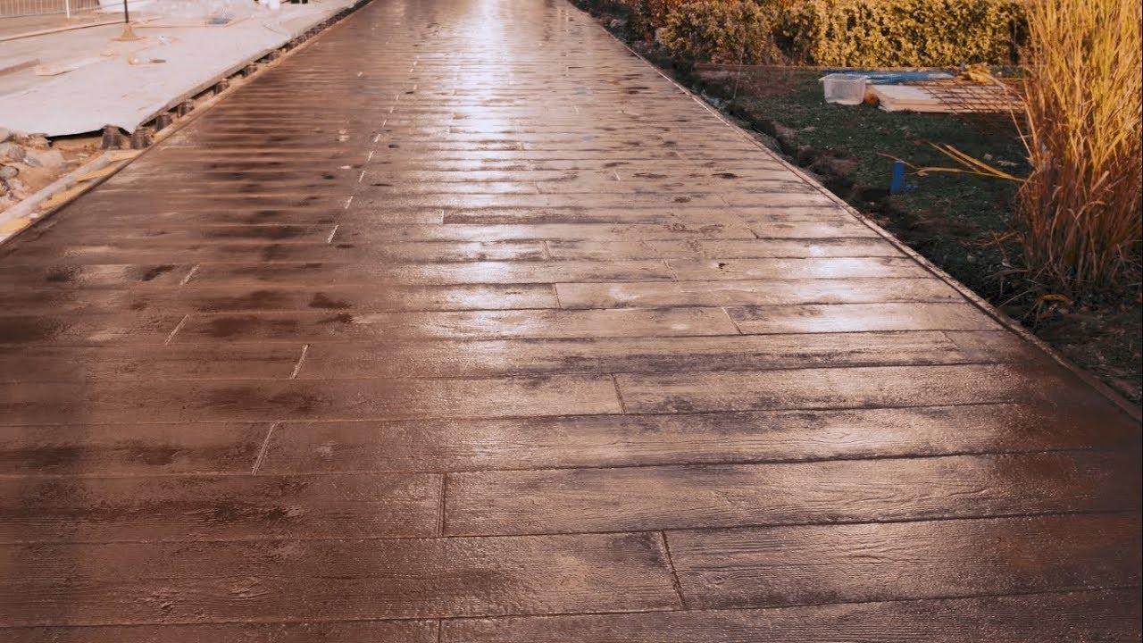 👍 Une Dalle Extérieure De 140M² En Béton Imprimé Bois Pour Icade À Rungis  (94) dedans Dalle Béton Terrasse Imitation Bois