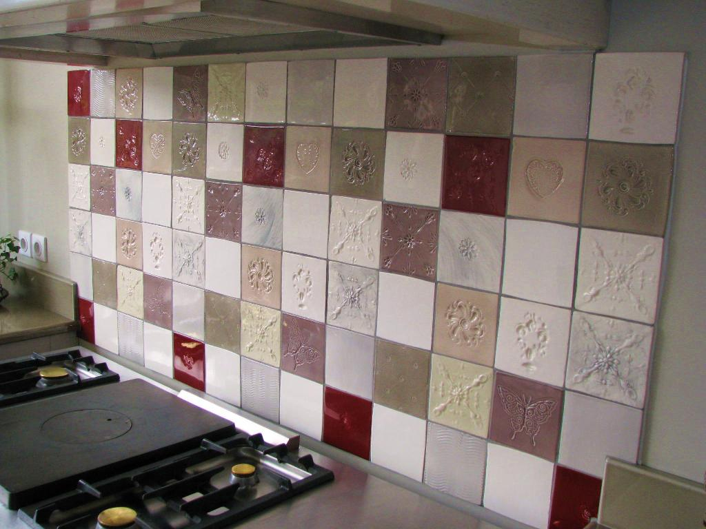 Faïence Et Carrelage Mural De Cuisine : Carreaux Artisanaux ... avec Carrelage Ancien Cuisine