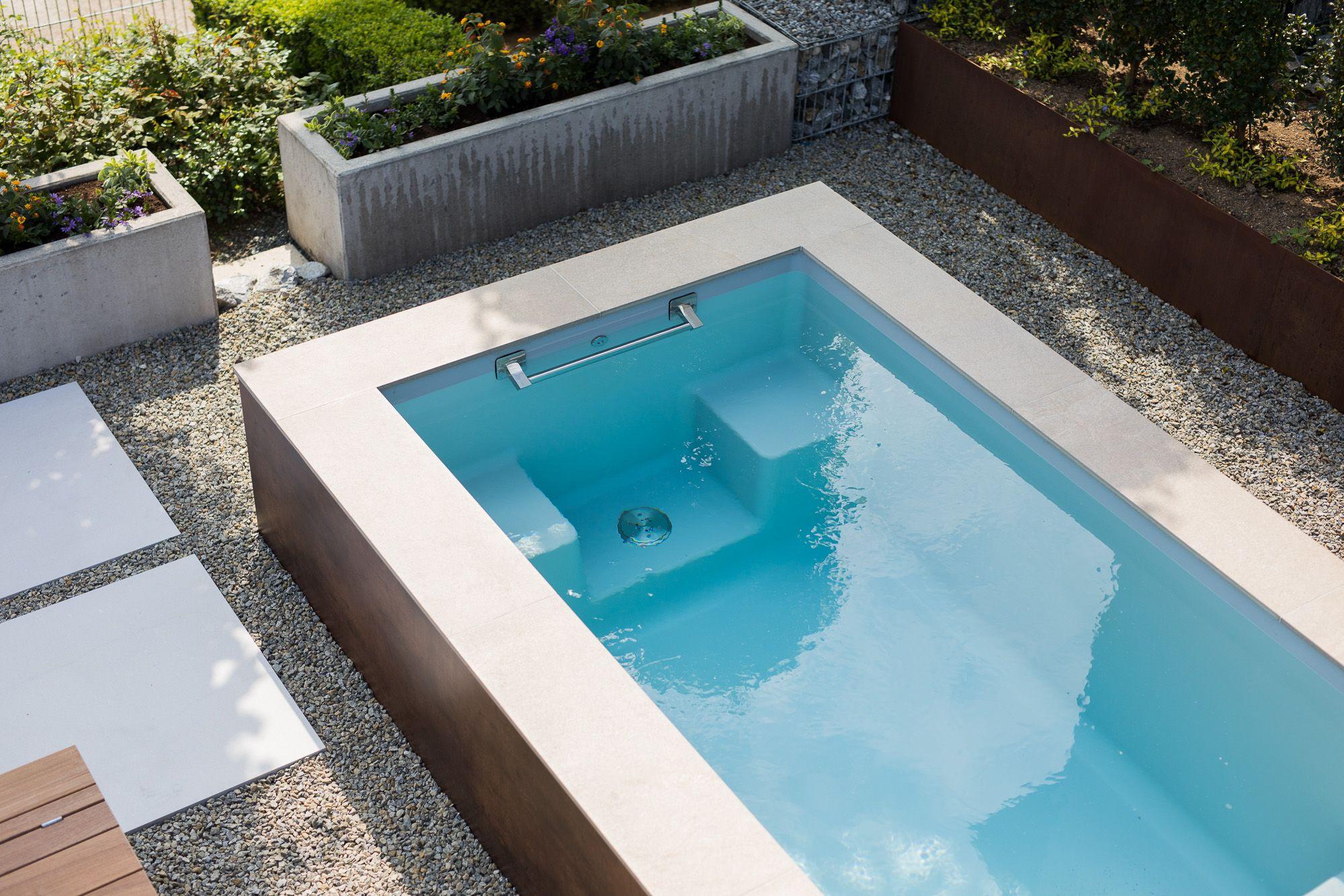 Kleiner Pool Für Kleine Gärten Oder Die Terrasse | Pool ... encequiconcerne Spot Terrasse Piscine