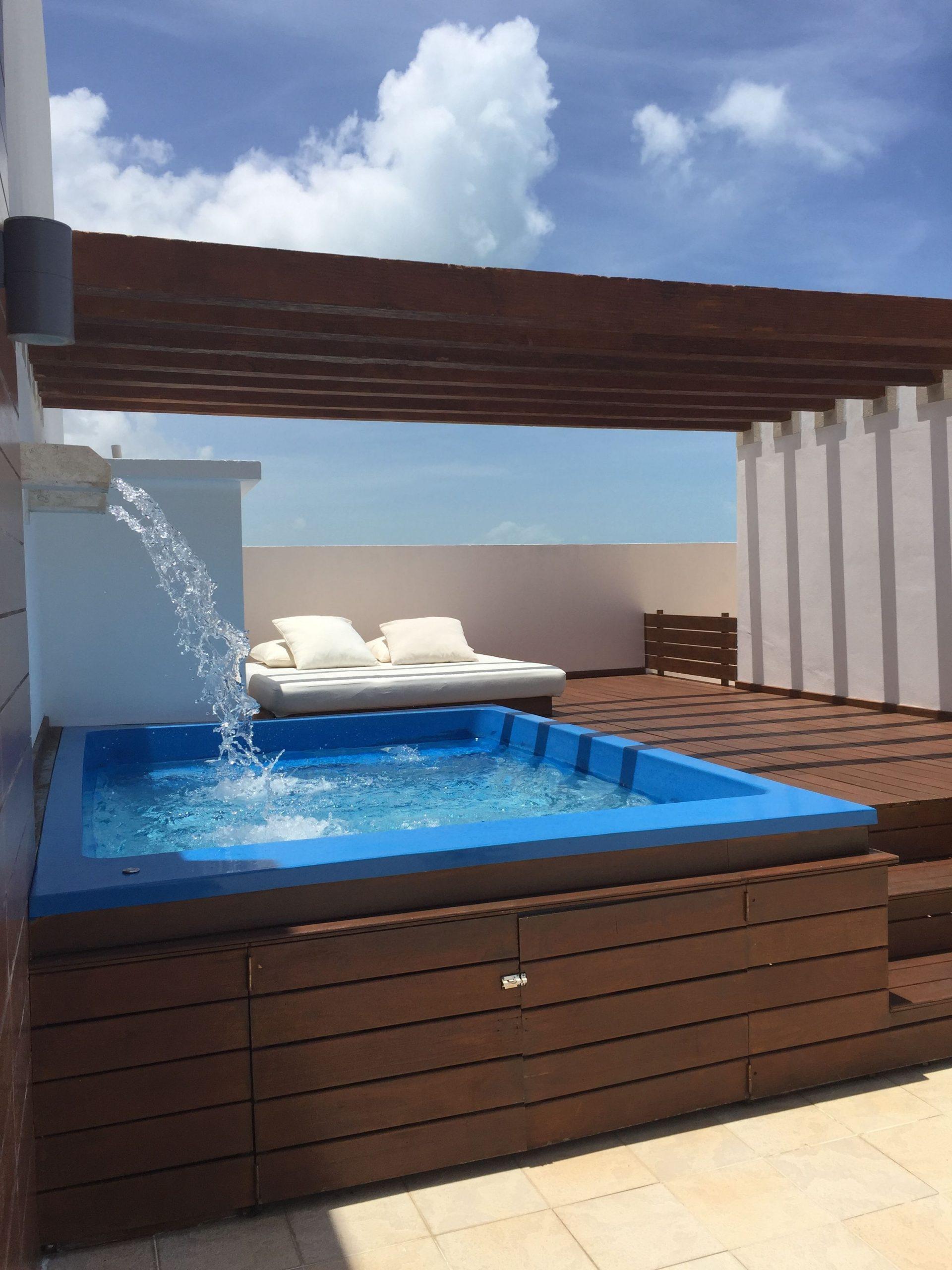 Kleinergarten In 2020 | Kleiner Pool Design, Hinterhof ... intérieur Spot Terrasse Piscine